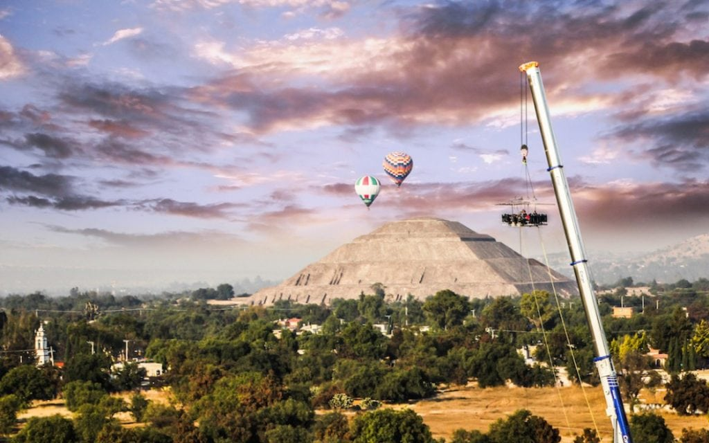Resultado de imagen para dinner in the sky teotihuacan