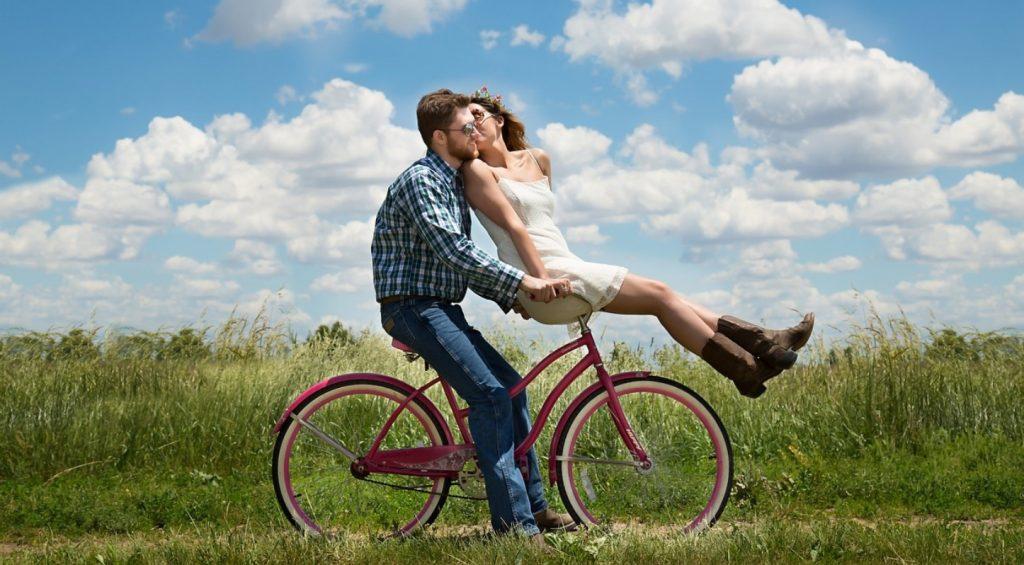 encuentra amor viajando